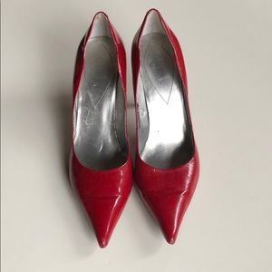 Guess | Red Patent Scalloped Edge Heels | 8
